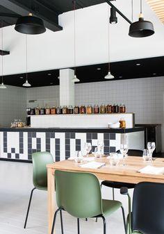 Interieur restaurant Stenden University   Achterbosch Architecten Cafe Bar, Cafe Restaurant, Restaurant Interiors, Cafeteria Design, French Kitchen, Retail Space, Cafe Design, Colour Schemes, Retail Design