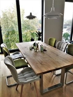 Mix of chairs Dining Room Chairs, Dining Table, Esstisch Design, Wall Shelves, Decoration, Interior Design Living Room, Countertops, Sweet Home, Kitchen Cabinets