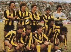 Peñarol, Campeón de América e Intercontinental año 1982 World Football, Football Soccer, Football Players, Football Images, Most Popular Sports, The Past, Football Squads, Tango Dancers, Ballet Flats