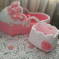 How to Make a Baby Stroller? Diy Crochet Basket, Crochet Basket Pattern, Crochet Patterns, Crochet Case, Crochet Dolls, Baby Patterns, Doll Patterns, Diy Y Manualidades, Baby Baskets