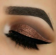 The search for the best eye shadow is over; these long-lasting eye makeup winners from Stila, Urban Decay and other eye shadow brands made our readers swoon. This eye make-up is goals! Prom Makeup, Cute Makeup, Gorgeous Makeup, Wedding Makeup, Hair Makeup, Pageant Makeup, Eyeliner Makeup, Makeup Hairstyle, Winged Eyeliner