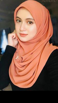 48216336 Pin on Beautiful hijab Beautiful Hijab Girl, Beautiful Muslim Women, Beautiful Girl Image, Arab Girls Hijab, Muslim Girls, Hijabi Girl, Girl Hijab, Beauty Full Girl, Beauty Women