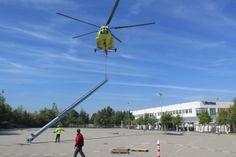 Spektakulärer Hubschraubereinsatz: Hermes Fulfilment installiert Blockheizkraftwerk in Ohrdruf - http://www.logistik-express.com/spektakulaerer-hubschraubereinsatz-hermes-fulfilment-installiert-blockheizkraftwerk-in-ohrdruf/