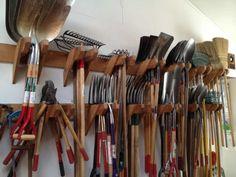Tool Shed Organizing, Storage Shed Organization, Garden Tool Storage, Storage Design, Garage Storage, Diy Storage, Outdoor Storage, Garden Tools, Storage Shelves