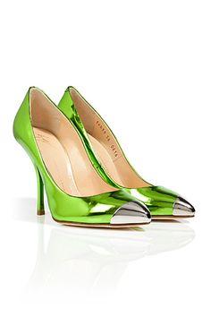 Look at these beauties! GIUSEPPE ZANOTTI Metallic Green Leather Cap Toe Pumps