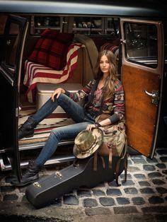 ralph Lauren bohemiun look Bohemian Mode, Bohemian Style, Boho Chic, Hippy Style, Bohemian Summer, Bohemian Gypsy, Into The Wild, Ralph Lauren, Boho Rock