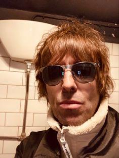Liam Gallagher, Britpop, Oasis, Pilot, Mens Sunglasses, Never, God, Dios, Pilots