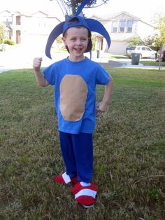 Easy AND cheap Sonic the Hedgehog costume. For the creatively challenged.  sc 1 st  Pinterest & Awesome u0026 ez Sonic the Hedgehog face paint design. | Face paint ...