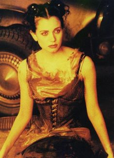 Mia Kirshner in The Crow City of Angels