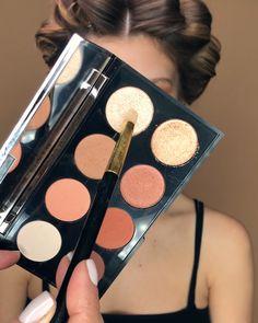 How-to von adi katzanelson Eye Makeup Steps, Makeup Eye Looks, Basic Makeup, Simple Makeup, Makeup Basics, Contour Makeup, Skin Makeup, Face Contouring, Learn Makeup