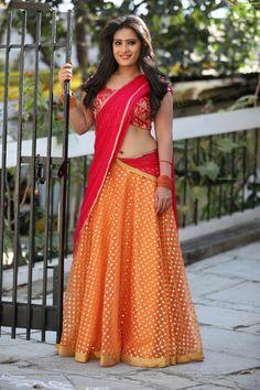 Anusha parada Saree Blouse, Sari, Actress Navel, Half Saree, Indian Sarees, Indian Beauty, Lehenga, Glamour, Actresses