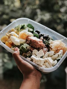 The Ketogenic Diet, oh how I love it and will always be grateful for it. Thanks to the Ketogenic Diet I was able to learn so much about my digestive Ketogenic Diet Results, Eating Habits, Cobb Salad, Grateful, Snacks, Ethnic Recipes, Food, Meal, Eten