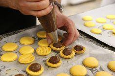 no - Finn noe godt å spise. Cupcake, Pudding, Cooking Recipes, Cookies, Baking, Desserts, Food, Eyes, Photography