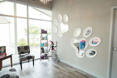Resultado de imagen de dog grooming salon decorating ideas