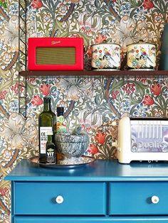 Trendy home wallpaper pattern william morris ideas William Morris Wallpaper, William Morris Art, Morris Wallpapers, Brick Wallpaper, Home Wallpaper, Flower Wallpaper, Pattern Wallpaper, Wallpaper Ideas, Interior Wallpaper
