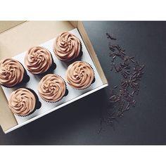 Шоколадные с кремом на основе сливочного сыра)