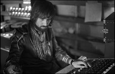 Glyn Johns was born on 15 February 1942, in Epsom, Surrey, England. He is one of the most well known and respected producers in the United Kingdom, and is also an engineer and a musician. He is most well known for his association with Bob Dylan, The Beatles, The Rolling Stones, The Who, The Eagles and Eric Clapton. He has a younger brother Andy, and a son Ethan, who are both talented music producers as well. Glyn Johns is very well associated with the drumming community for his legendary…