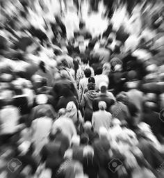 6976241-Folla-di-persone--Archivio-Fotografico.jpg (1196×1300)
