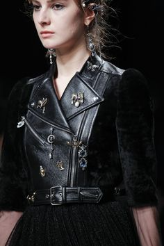 Alexander McQueen Autumn/Winter 2016-17 Ready to wear