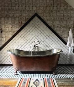 Looking for bathroom decor ideas that look like a magazine cover but are still affordable? Check out these 85 best bathroom decor ideas on a budget! Rustic Home Design, Modern Interior Design, Interior Styling, Interior Designing, Bathroom Goals, Budget Bathroom, Bathroom Design Inspiration, Interior Inspiration, Dream Bathrooms