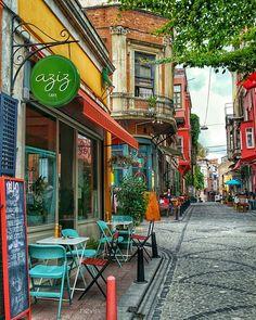 Fener - Balat sokakları Travel Around The World, Around The Worlds, Wooden Facade, Italian Village, Outdoor Cafe, Shop Front Design, Old World Charm, Dream Vacations, Cuba Style