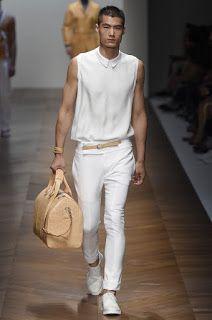 Hao Yun Xiang for Daks Fashion Moda, Fashion News, Milan Fashion, Queer Fashion, Asian Men Long Hair, Mens Fashion Summer Outfits, High Fashion Men, Unisex Looks, Asian Male Model