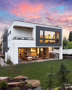 Fresh and modern Medina masterpiece // Listed by: Art & Scott Whittlesey Modern Architecture Design, Beautiful Architecture, Architecture Layout, Villa Plan, Modern House Plans, House And Home Magazine, Luxury Real Estate, Building Design, Custom Homes