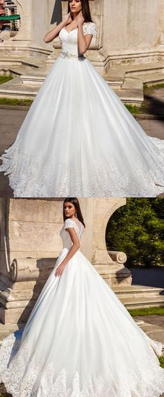 Amazing Tulle V-neck Neckline Ball Gown Wedding Dresses With Lace Appliques