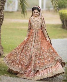44 Best Ideas For Wedding Dresses Indian Pakistani - Strabe Stil Sommer 2019 Walima Dress, Shadi Dresses, Pakistani Formal Dresses, Pakistani Wedding Outfits, Pakistani Bridal Dresses, Bridal Outfits, Indian Dresses, Pakistani Lehenga, Bridal Lehenga