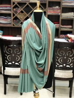 Stunningly emerge from the group with a completely exceptional Shawl/Wrap. Youre certain to awe whether youre shopping at the shopping centre, getting you some an espresso or going to the following huge occasion. Product Details Condition: Brand New 100% Pure Pashmina/Cashmere Shawl
