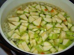 Cristina's world: Ciorbica de dovlecel dreasa cu iaurt Zucchini, Vegetables, Food, Essen, Vegetable Recipes, Meals, Yemek, Veggies, Eten