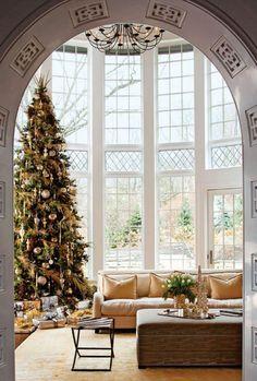 Sapin de luxe | christmas, noel, événement, décoration. Plus de nouveautés sur http://www.bocadolobo.com/en/inspiration-and-ideas/