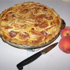 Peach Custard Pie (I made it already, it's easy and delicious! I even used frozen peaches and it was still amaze) My Recipes, Sweet Recipes, Cooking Recipes, Favorite Recipes, Pie Dessert, Dessert Recipes, Desserts, Peach Custard Pies, Cream Pie