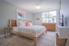 When Lillian and Raymond Garcia bought their 1,150-square-foot beach condoin St. Petersburg, FL, they were looking for a vacationhouse on the water less than two hours away from their primary homein Orlando. With its waterfront community setting and spaciousopen layout, the Garcias' beach home helps them relaxand unwind andeasily entertainfamily and friends (as well asrent to vacationers). The couple tasked designer Jenny Kaplan of An Aesthetic Pursuit with giving the space a…