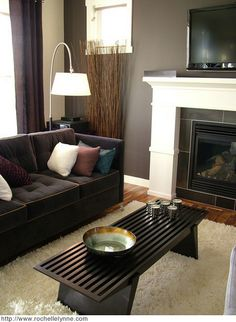 Modern TV and Fireplace with Dark Elegant Sofa and Furniture in Living Room Interior Decorating Designs Ideas Contemporary Living Room Interior Design Ideas with Luxury Sofa Sets Living Room Color Schemes, Living Room Colors, Living Room Paint, New Living Room, Living Room Decor, Small Living, Brown Couch Living Room, Living Area, Living Room Interior