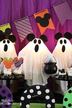 Disney's Halloween Treat, Halloween 1st Birthdays, Disney Halloween Parties, Disney Halloween Decorations, Halloween First Birthday, Spongebob Birthday Party, Mickey Mouse Halloween, Mickey Party, Halloween Party Decor