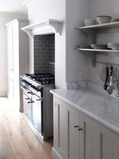 deVOL-kitchens-blog-customers-Real-Shaker-kitchen-Mushroom-Mercury-oven-cooker-Carrara Marble-worktop-simple-stylish-classic-interior-design-home-Winchester