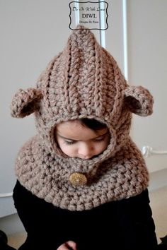 Crochet PATTERN - Bear Hooded Cowl - pattern available for a wee fee via the Dawanda Shop Do It With Love Diy Tricot Crochet, Crochet Hooded Cowl, Knit Or Crochet, Crochet Scarves, Crochet For Kids, Crochet Crafts, Crochet Clothes, Crochet Projects, Crochet Tutorials