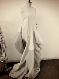 Subtraction Cutting - experimental fashion design using hollow construction pattern cutting techniques // from a masterclass with Julian Roberts