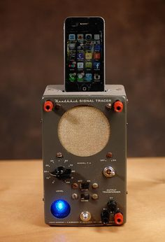Sold, but cool design::::ipod iphone charging station with speaker from vintage test equipment Electronics Projects, Diy Electronics, Radios, Smartphone, Ipod Charger, Electronic Gifts For Men, Retro Phone, Docking Station, Charging Stations
