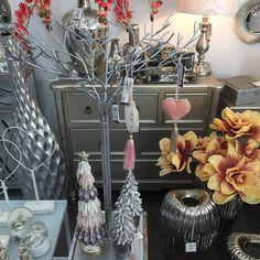 YA TENEMOS LAS PRIMERAS COSITAS DE NAVIDAD Qué te parecen ? #navidad2017 #decoracion #deco #decor #home #homestyle #homedecor #interior4all #deco http://ift.tt/2sn9vw4