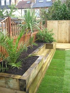 Big Garden Design Bench raised bed made of railway sleepers. This would be great for a small veggie garden.Big Garden Design Bench raised bed made of railway sleepers. This would be great for a small veggie garden. Raised Bed Garden Design, Diy Garden Bed, Small Garden Design, Easy Garden, Garden Walls, Fence Garden, Timber Garden Edging, Garden Ideas For Small Spaces, Yard Design