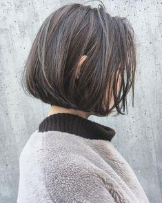 53 個讚,2 則留言 - Instagram 上的 Haruki (@rima.haruki):「 _ お客様style * 黒髪ロングヘアからの→バッサリとリップラインBobと ハイライトグレージュカラーに✨ * fashionにも抜群に合うお洒落styleです *… 」