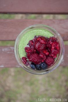 Green immunity smoothie with mixed berries