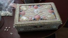 Shell box for Gina Shells, Decorative Boxes, Home Decor, Conch Shells, Decoration Home, Room Decor, Seashells, Sea Shells, Home Interior Design