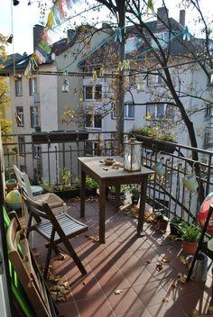 Sonniger Balkon im Herbst. #Balkon #Herbst #balcony