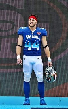 American Football Players, Best Football Players, Football Boys, Rugby Tattoos, Men In Tight Pants, Sports Mix, Bearded Tattooed Men, College Boys, Football Uniforms