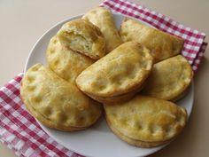 Citromhab: Juhtúrós-krumplis pirog Sheep Cheese, Snack Recipes, Snacks, Apple Pie, Grilling, Chips, Appetizers, Pizza, Potatoes