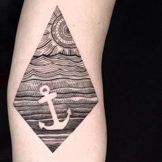 Magnifique dessin au trait avec un tatouage d'ancrage de l'espace négatif par…