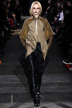 Givenchy Fall 2012 Ready-to-Wear Fashion Show - Daria Strokous (Women)